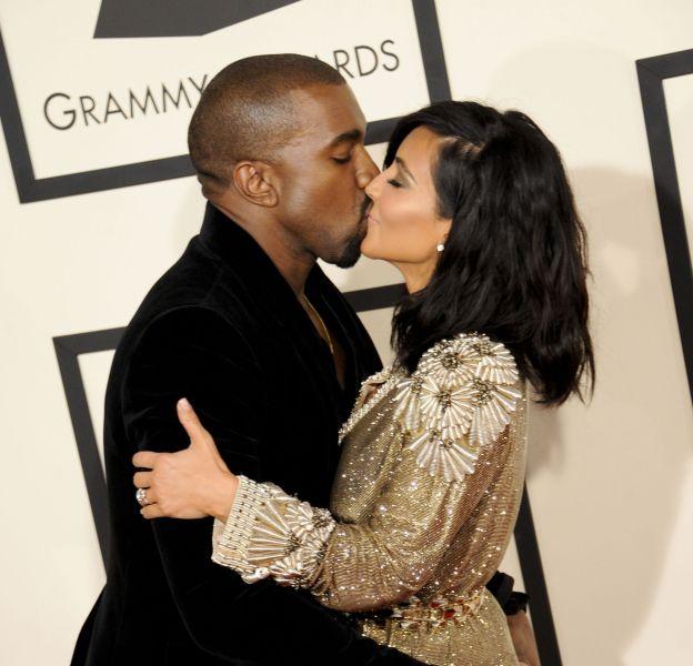 Kim Kardashian a fêté l'anniversaire de Kanye West avec une photo de baiser.