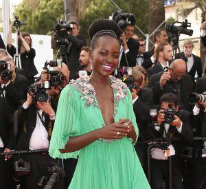 Lupita Nyong'o est une amatrice du color block, la preuve avec cette robe aperçue à Cannes 2016.