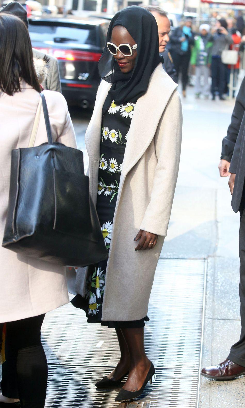 Lupita Nyong'o fait de la mode son terrain de jeu favori.