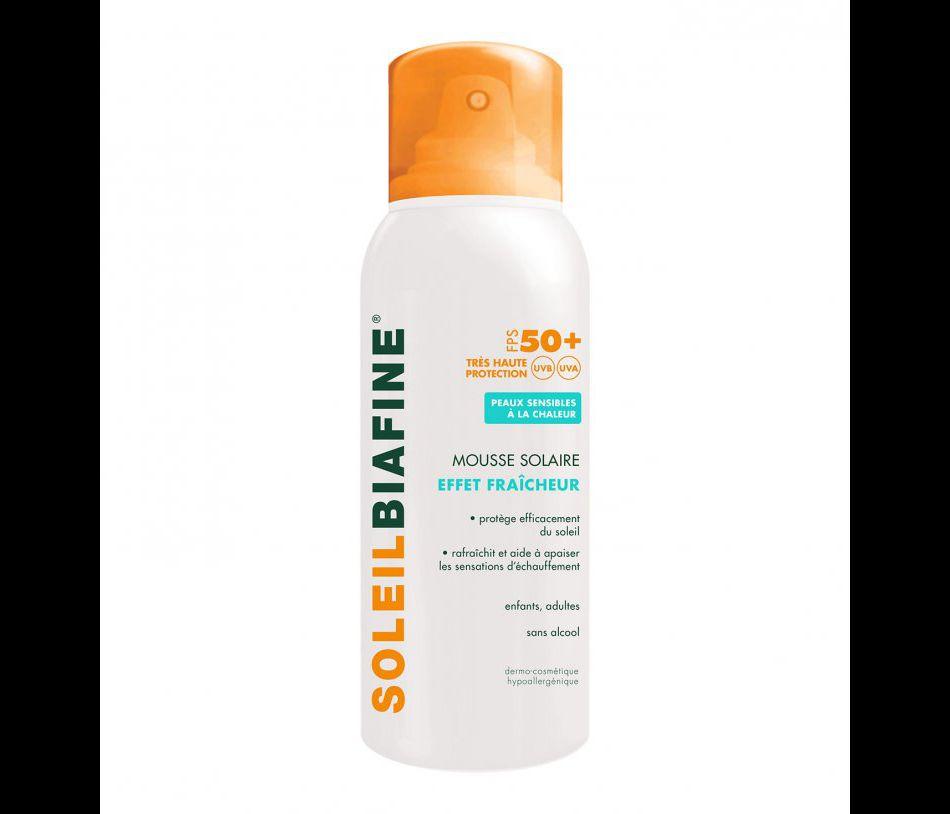 Mousse solaire qui donne un effet fraîcheur à la peau, Soleil Biafine, 12,93€.
