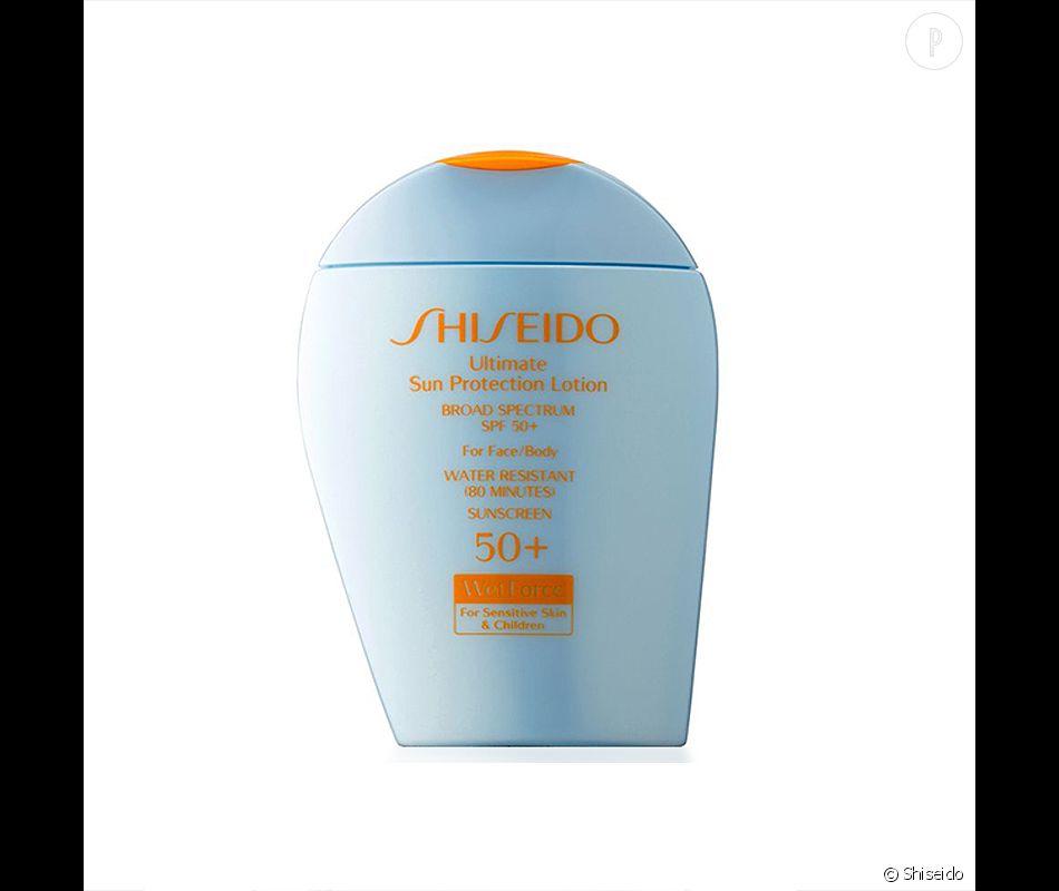 Crème solaire protectrice dans un format compact, Shiseido, 41€.
