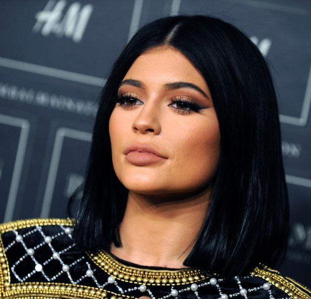 Kylie Jenner a encore changé sa coupe et sa couleur de cheveux.