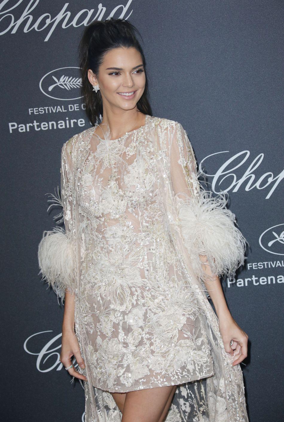 Avec sa queue de cheval haute, Kendall est plus jolie que jamais.