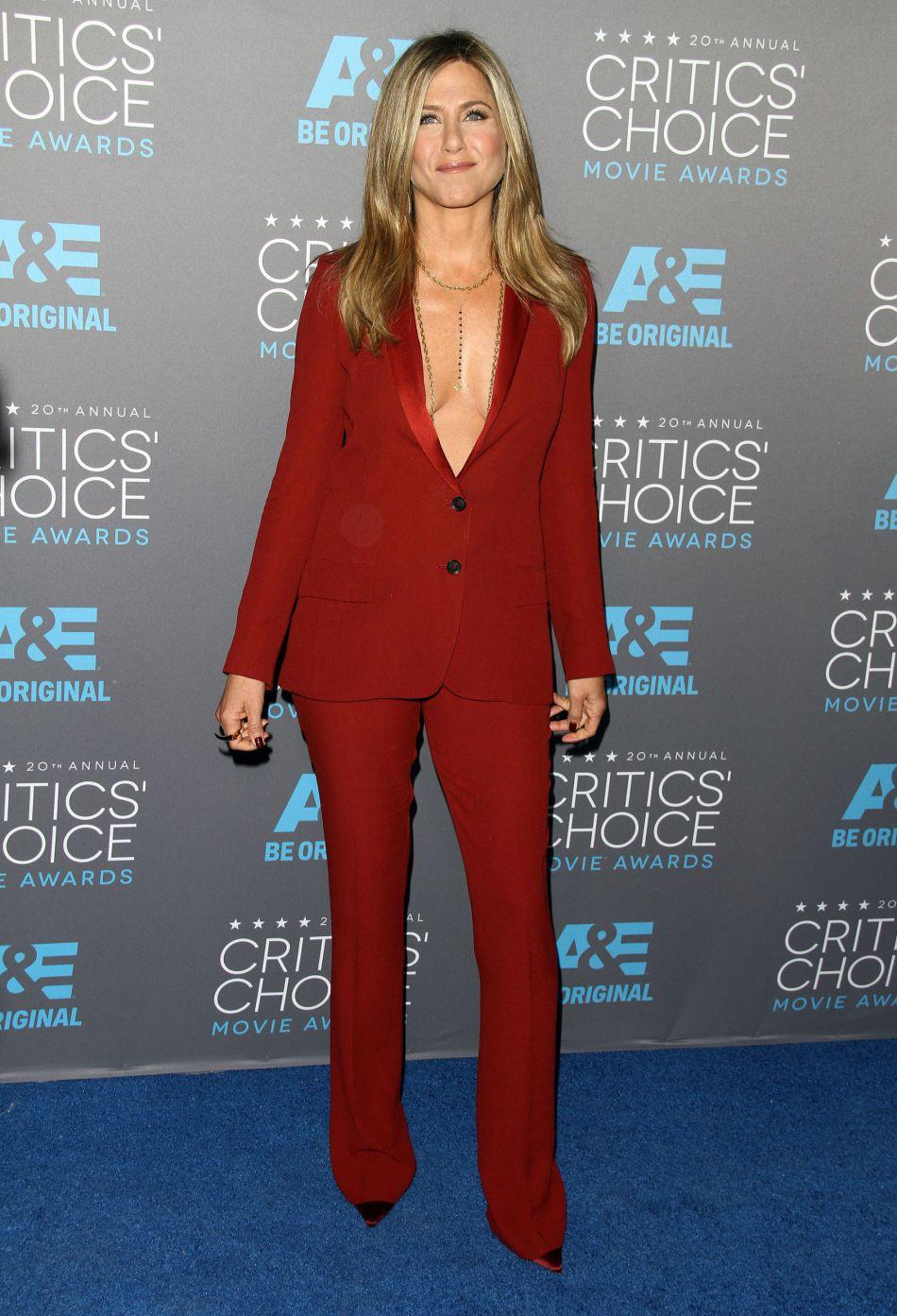 Des photos de Jennifer Aniston avec un petit ventre arrondi ont troublé ses fans qui pensaient à une heureuse nouvelle.