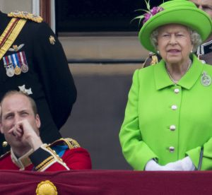 Elizabeth II : la reine gronde William au balcon, le GIF qui fait rire Twitter