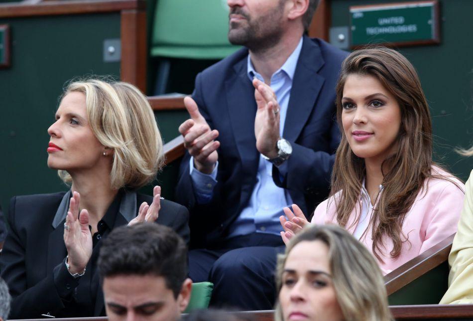 La Miss France était venue accompagnée de son éternel chaperon, Sylvie Tellier.