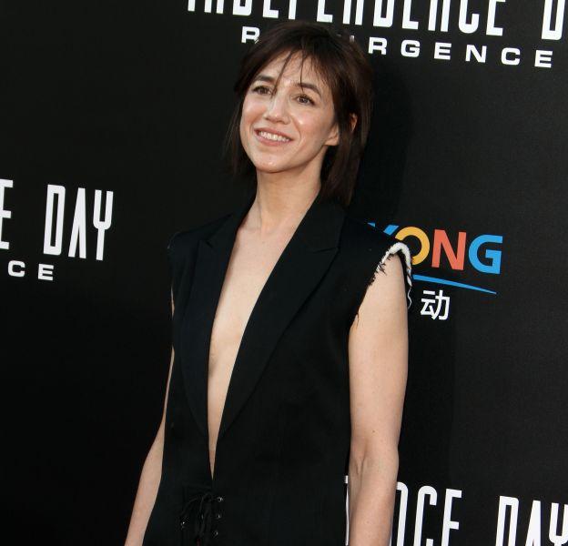 """Charlotte Gainsbourg et Yvan Attal à la première de """"Independence day: resurgence""""au théâtre TCL Chinese à Hollywood, Californie, le 20 juin 2016."""