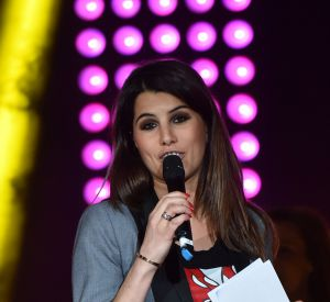 """Karine Ferri a repris la présentation de """"The Voice"""" deux semaines après son accouchement."""