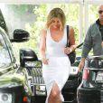 Khloe Kardashian se baladant dans les rues de Calabasas.