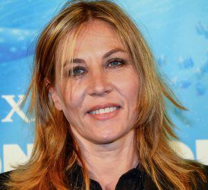 Mathilde Seigner a opté pour un maquillage léger.