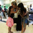 La maman, très complice avec sa fille, est fière de sa petite danseuse : Joy a participé à un gala de danse.