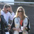 Kate Moss et Stella McCartney sont toujours au top lorsqu'elle débarque à Glastonbury.
