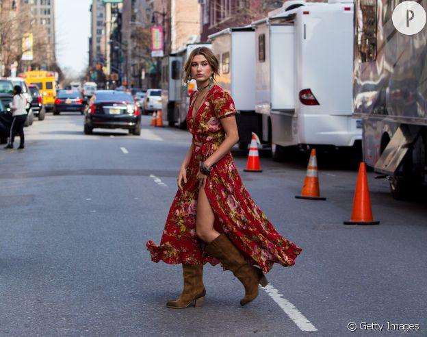 La robe longue d'Hailey Baldwin est notre fixette de l'été.