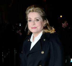 L'actrice est une véritable icône, elle sublimait le show hier soir.