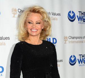 """Pamela Anderson n'est pas juste qu'une ex-""""Playmate"""", elle est aussi une femme engagée."""