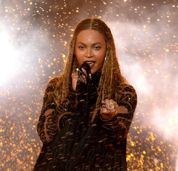 Beyoncé, elle fait le show sur la scène des BET Awards !