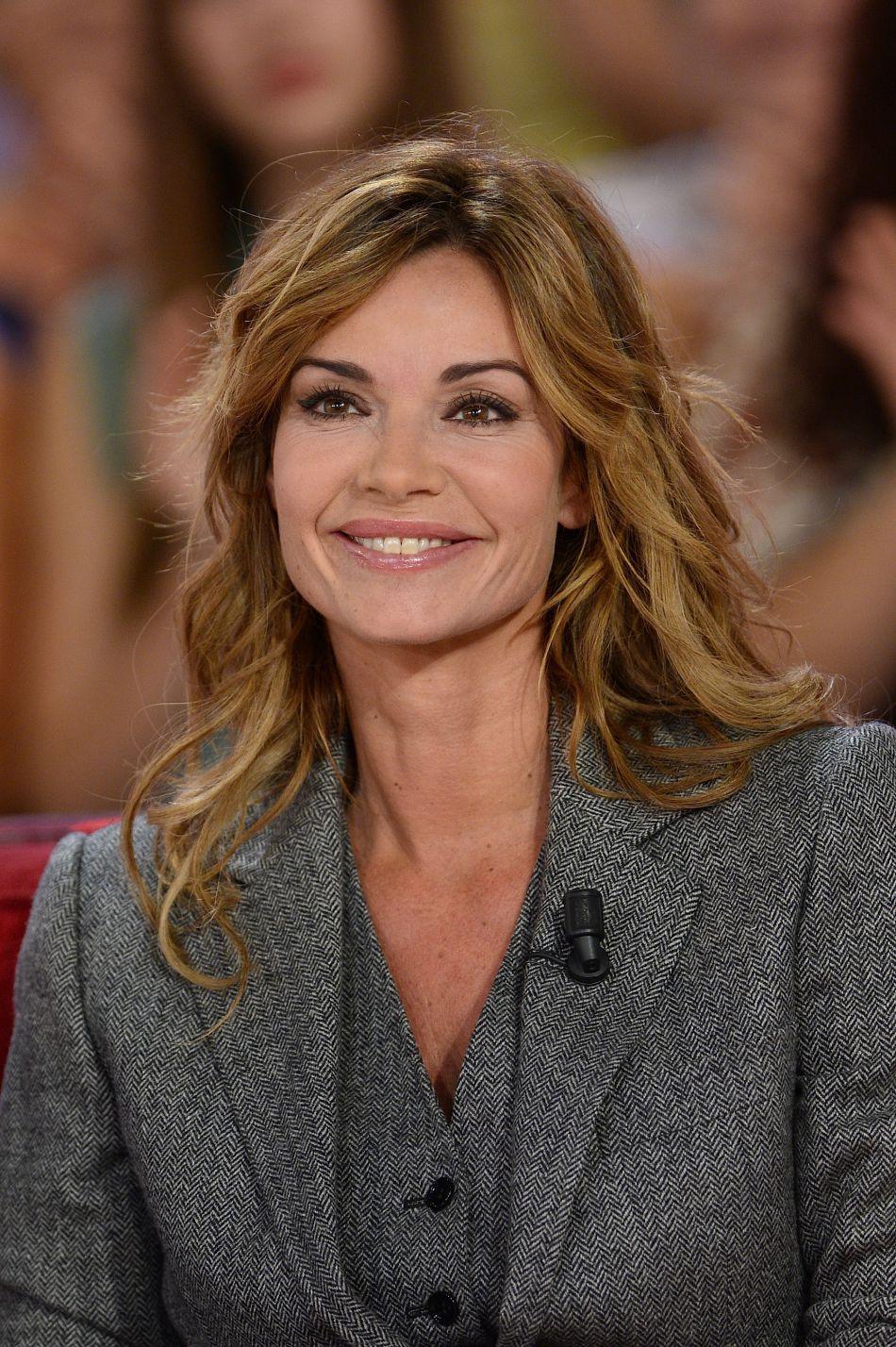 Ingrid Chauvin : souriante et épanouie, la jeune maman savoure son bonheur.