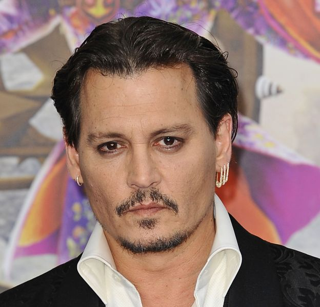 Johnny Depp s'est offert une soirée au comedy club ce week-end, entouré d'amis.