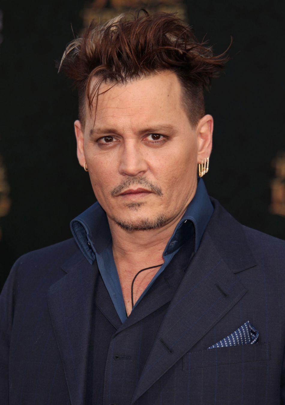 Johnny Depp a reçu le soutien public de sa fille et de Vanessa Paradis.