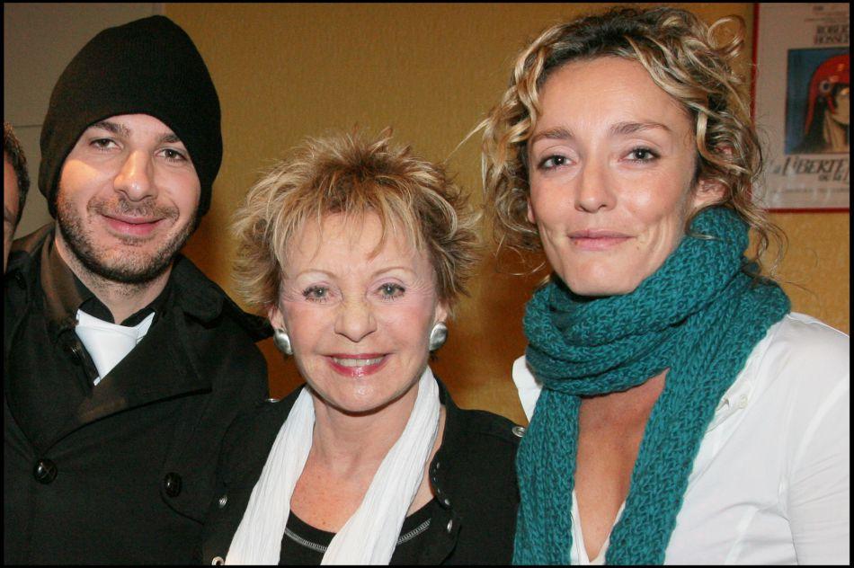 Michaël Youn avec Annie Cordy et Juliette Arnaud, en 2007. Le couple Youn-Arnaud a vécu ensemble de 1998 à 2004.