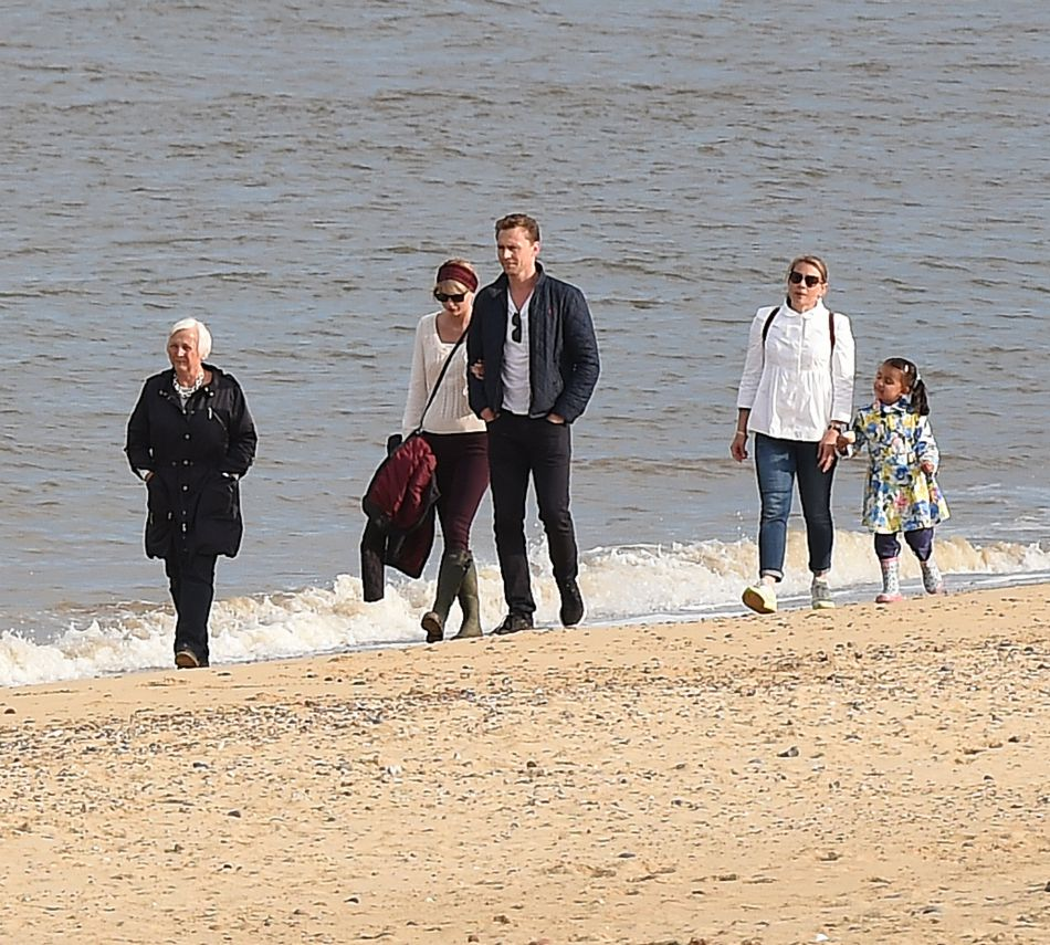 Lors de leur séjour sur la côte anglaise, Tom a présenté Taylor à sa maman Diana, qui a tout de suite aimé la chanteuse.