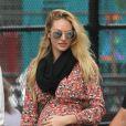 Candice Swanepoel attend son premier enfant et a montré son ventre rond sur Instagram.
