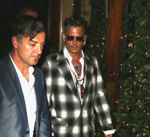 Johnny Depp, aminci dans sa veste à carreaux.
