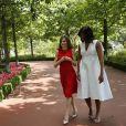 Devant tant de style et de charme, les photographes ont proposé un petit shooting improvisé aux deux First Ladies dans les jardins du palais royal de Madrid.
