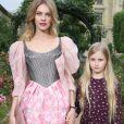 Natalia Vodianova et sa fille Neva, 10 ans, au défilé Haute Couture de Uyana Sergeenko, le 3 juillet 2016 à Paris.