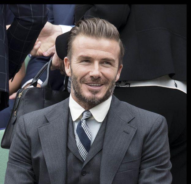David Beckham sublime les gradins du court central de Wimbledon aux côtés de sa mère, Sandra West !
