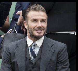 David Beckham a été applaudi par l'assemblée et a discrètement salué le public lors du match de charité des All England Club.