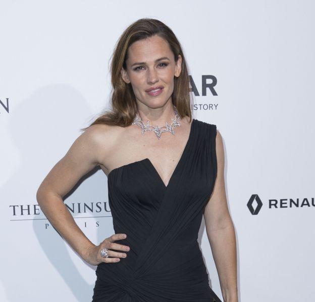 Jennifer Garner, superbe au dîner de gala de l'amfAR organisé le 3 juillet à l'hôtel Peninsula, à Paris.