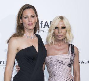 Jennifer Garner et Donatella Versace, invitées du dîner de gala de l'amfAR, le 3 juillet à Paris.