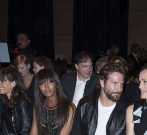 Naomi Campbell, Bradley Cooper et Jennifer Garner : trio glamour au show Atelier Versace.