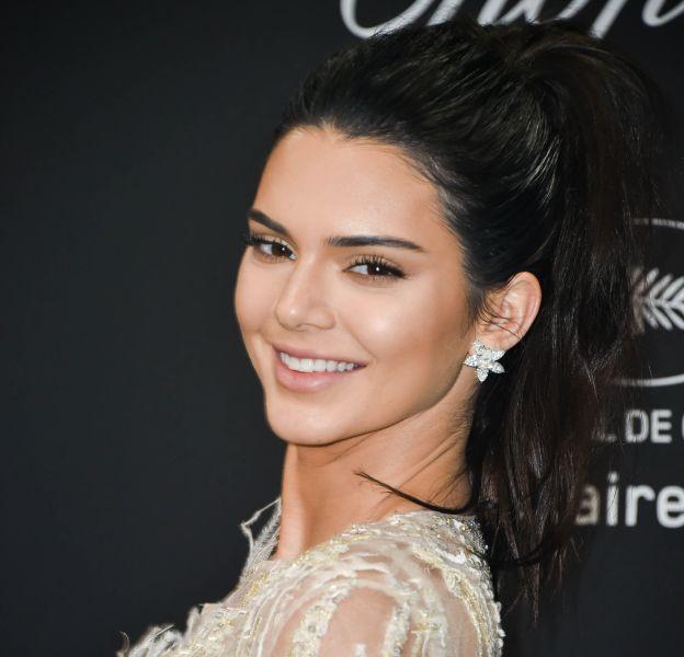 Kendall Jenner a passé la nuit dans un hôtel de Beverly Hills avec son nouveau boyfriend.
