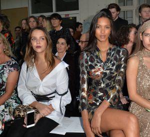 Pauline Ducruet et le mannequin brésilien Lais Ribeiro, assiste au défilé de mode John Galliano, collection prêt-à-porter Printemps-Eté 2017 à Paris, le 2 octobre 2016.