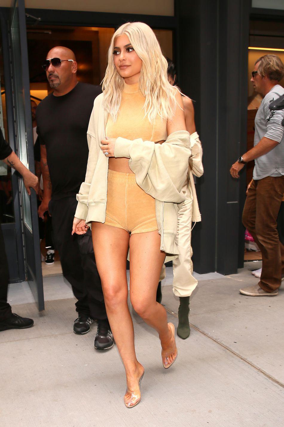 Kylie Jenner est récemment devenue blonde platine.