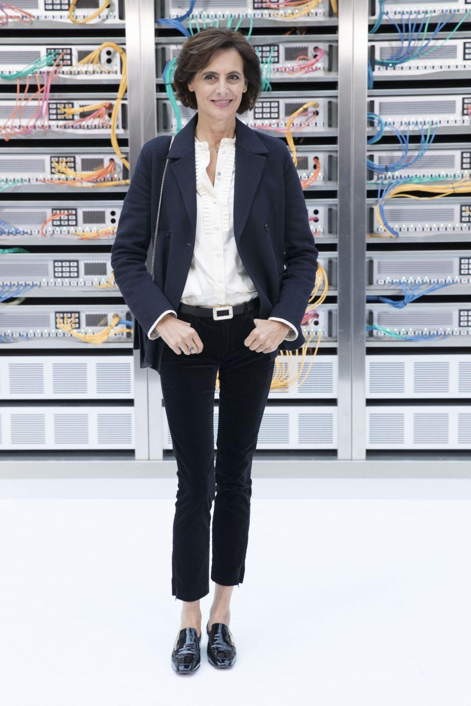 Inès de la Fressange, la plus Parisienne des invités du show Chanel printemps-été 2017.