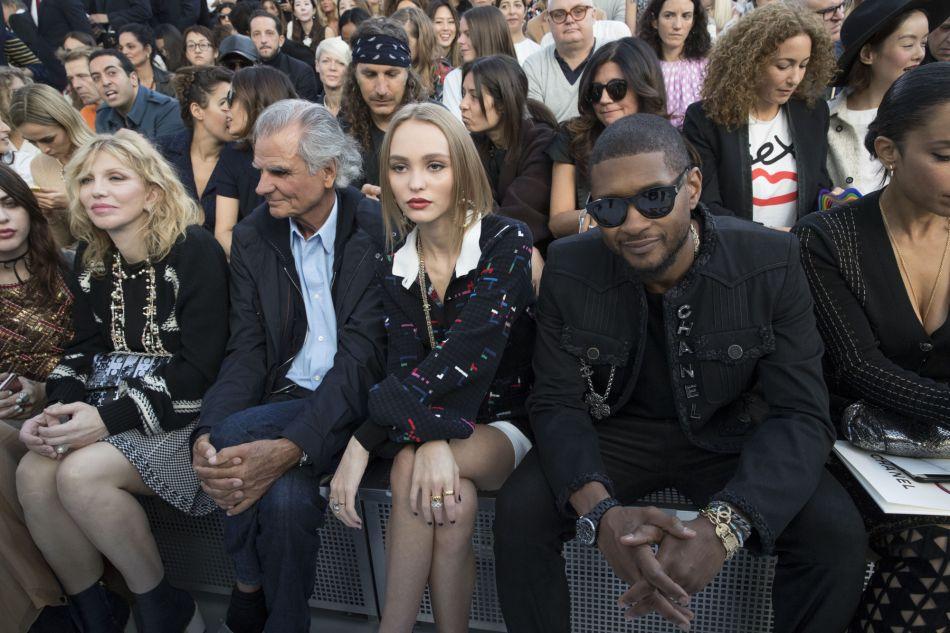 Chanel printemps-été 2017 : un front row riche en people.