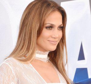 Jennifer Lopez, décolleté de folie sur Instagram pour nous souhaiter bonne nuit