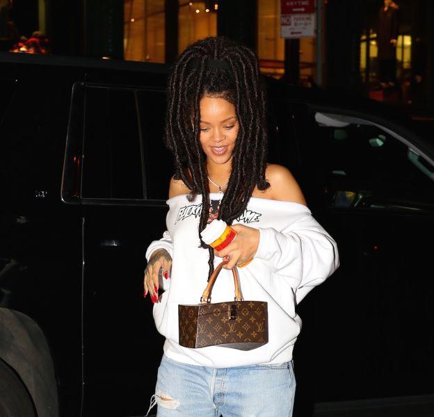 Rihanna et ses dreadlocksdans les rues de New York.