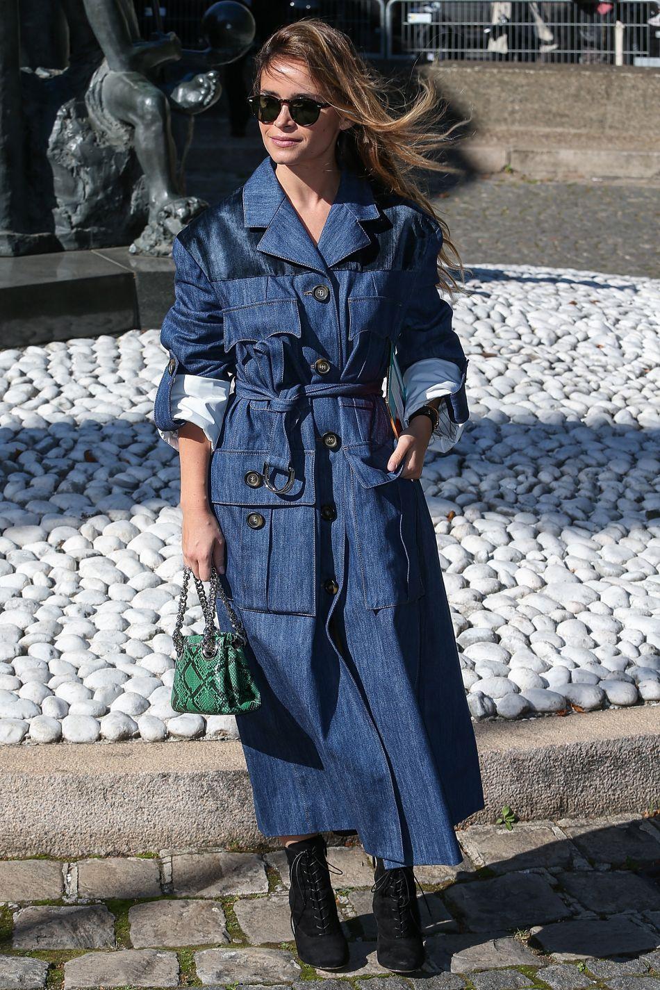 A copier ? La veste en jean XXL ceinturée.