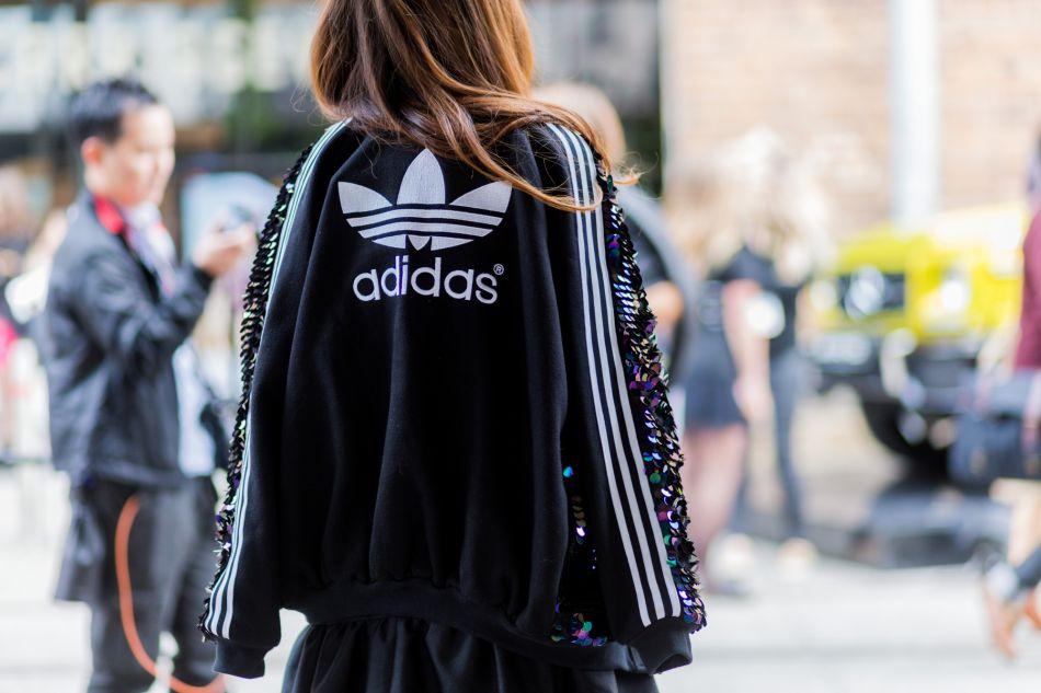 Le survêtement Adidas se réinvente.