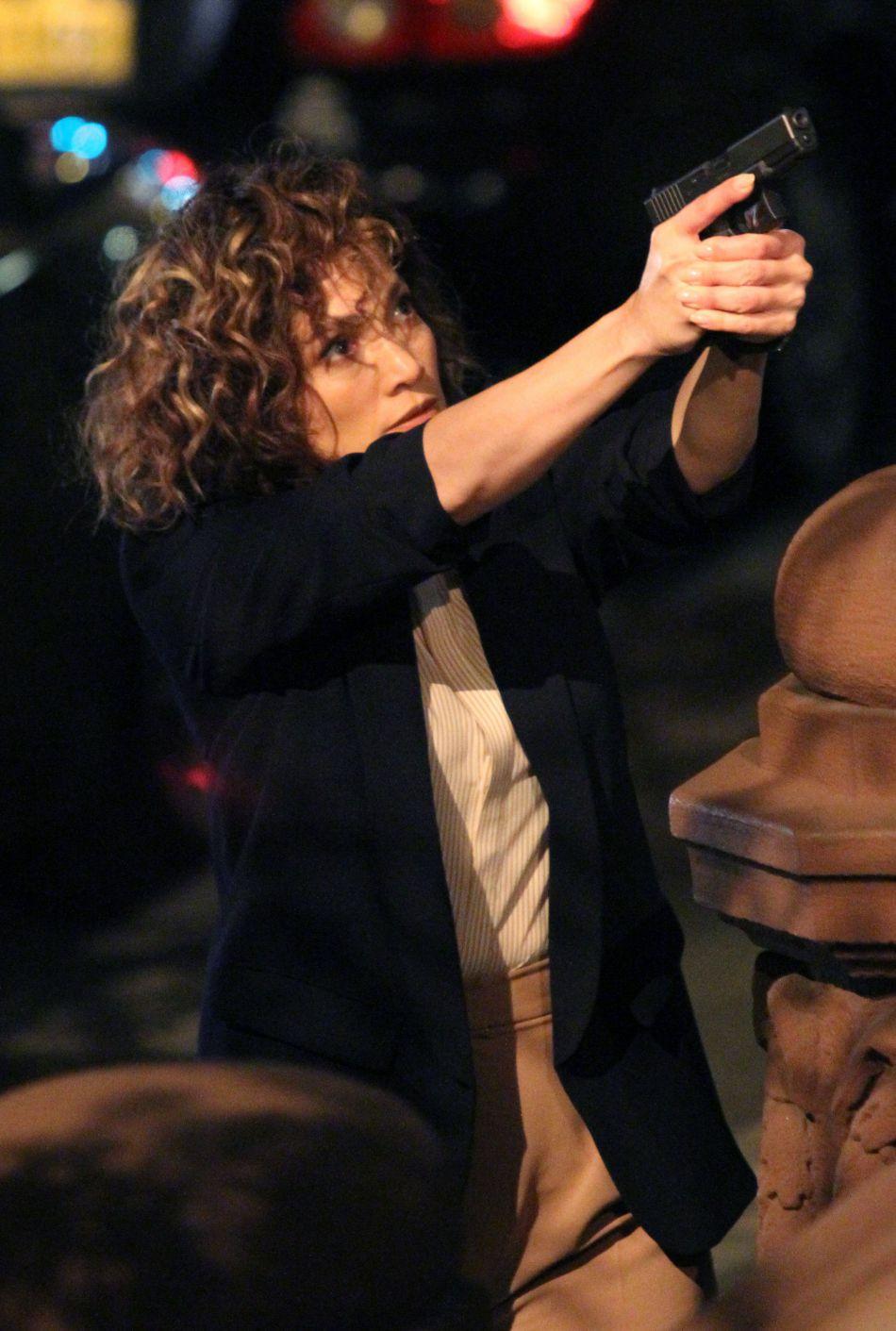 """La chanteuse est actuellement en plein tournage de la série """"Shades of Blue"""", dont elle est l'une des productrices."""