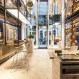 La boutique est un parfait mélange de tradition et de codes contemporains.