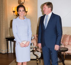 Kate Middleton : hôtesse de l'air pastel, elle séduit le roi de Hollande