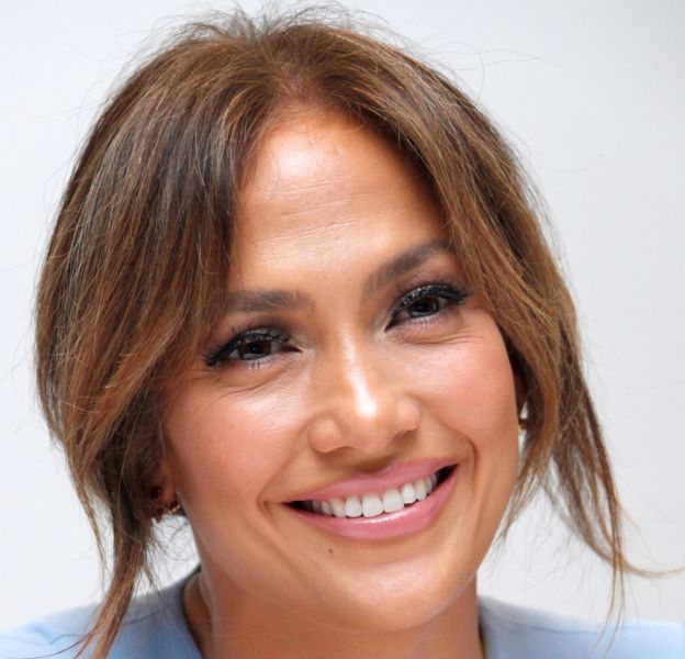Jennifer Lopez enflamme Instagram avec un bootyshake sensuel !