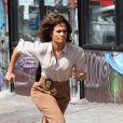 """J-Lo est en pleine tournage de la saison de """"Shades of Blue"""", dont elle est la productrice."""