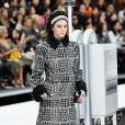 Chanel revisite l'allure des 30's et 60's pour sa collection Automne-Hiver 2017/2018.