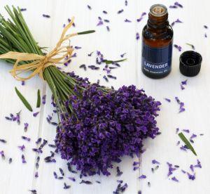 Ces huiles essentielles très efficaces contre la migraine